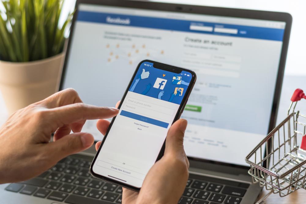 Facebook / Shutterstock.com