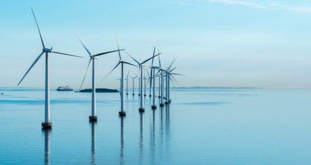 Morska elektrownia wiatrowa. Fot. Shutterstock
