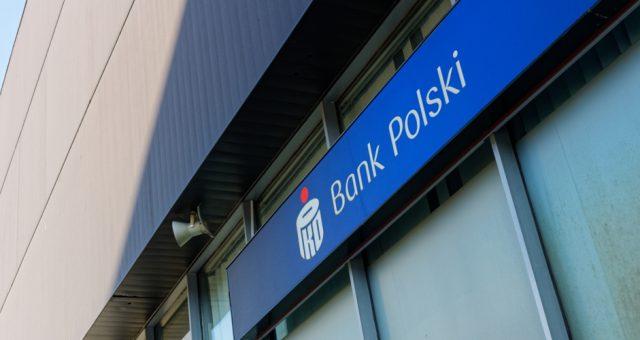 PKO BP / Shutterstock.com