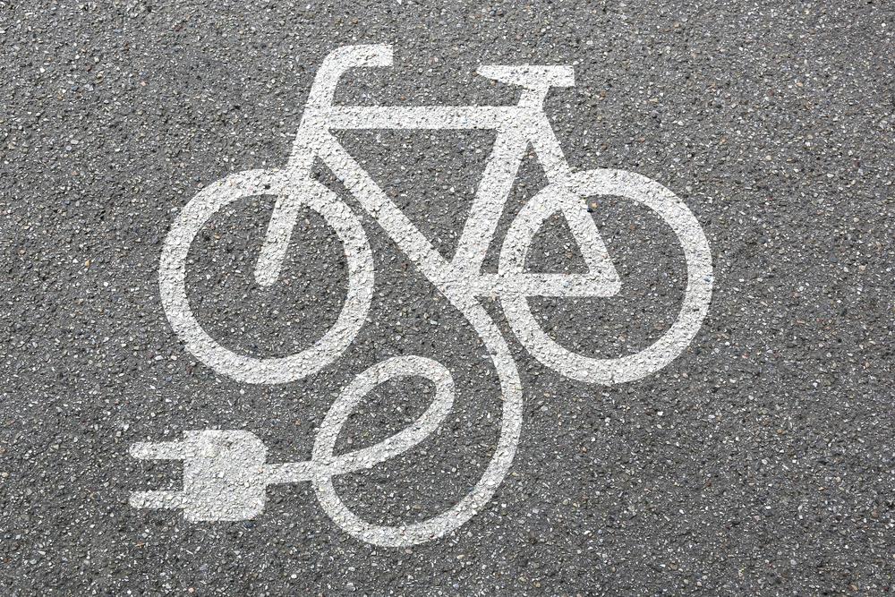 E-bike / Shutterstock.com