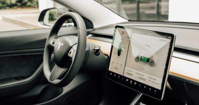 Tesla / shutterstock.com