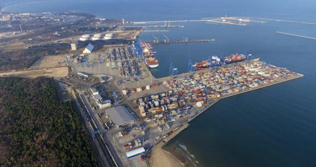 Port DCT Gdańsk. fot.aeromedia.pl / materiały prasowe