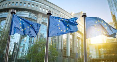Flagi Unii Europejskiej. Fot. Shutterstock