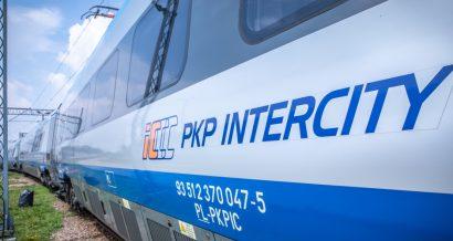 Pociąg PKP Intercity, Fot. Marcin Kadziolka / Shutterstock.com