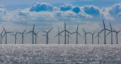 Farma wiatrowa na morzu, Fot. Shutterstock.com