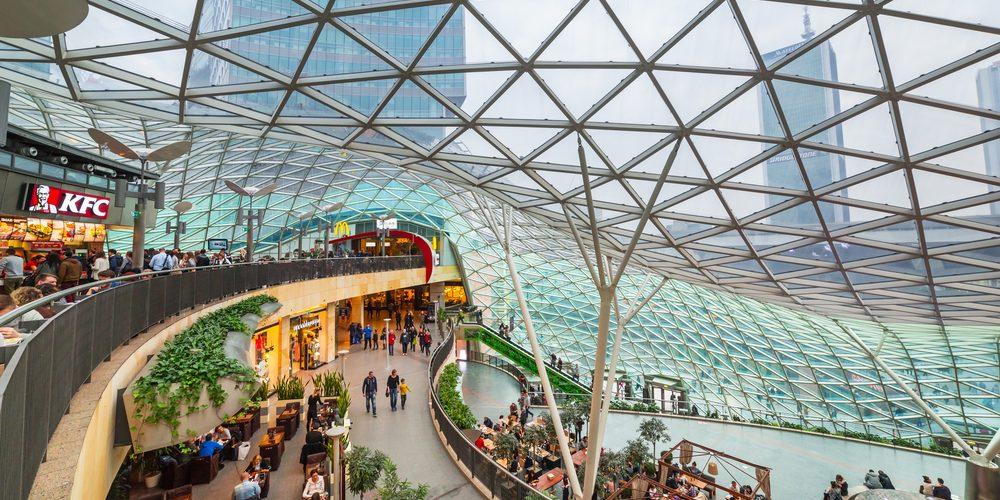 Centrum handlowe Złote Tarasy, Warszawa. Fot. Patryk Kosmider / Shutterstock.com