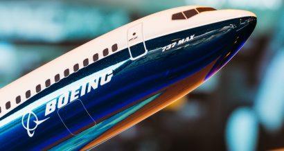 model Boeinga 737 MAX, Fot. aapsky / Shutterstock.com