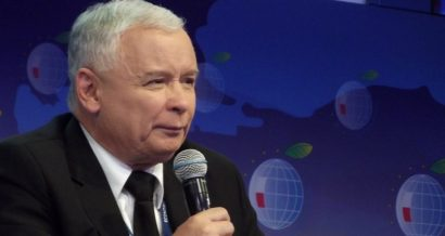 Jarosław_Kaczyński_2013 / By Piotr Drabik from Poland - Jarosław KaczyńskiUploaded by Dudek1337, CC BY 2.0, https://commons.wikimedia.org/w/index.php?curid=28176100