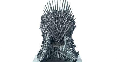 Żelazny tron. Fot. Milleflore Images / Shutterstock.com