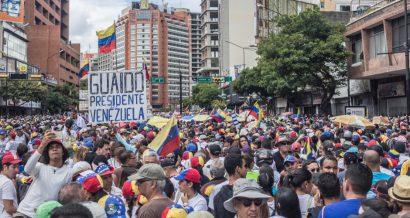 Protest w Wenezueli, Fot. Ruben Alfonzo / Shutterstock.com