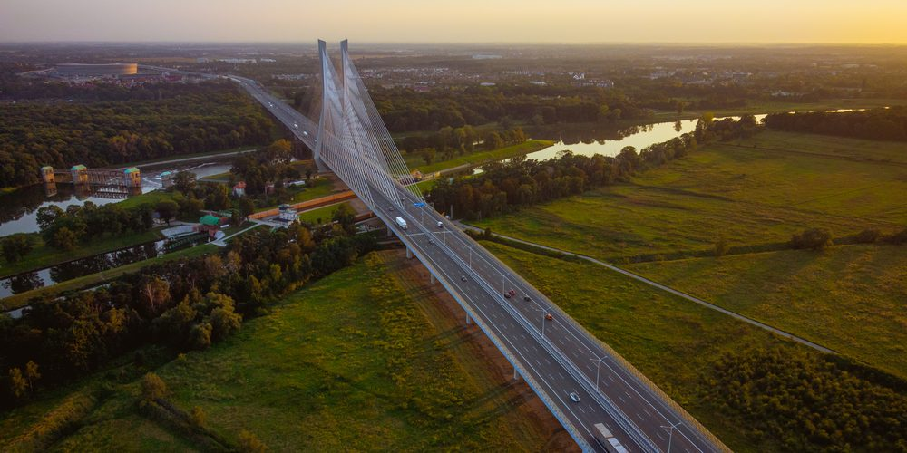 Most na autostradzie obok Wrocławia. Fot. Shutterstock