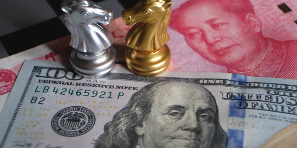 Dolar i juan, Fot. Shutterstock.com