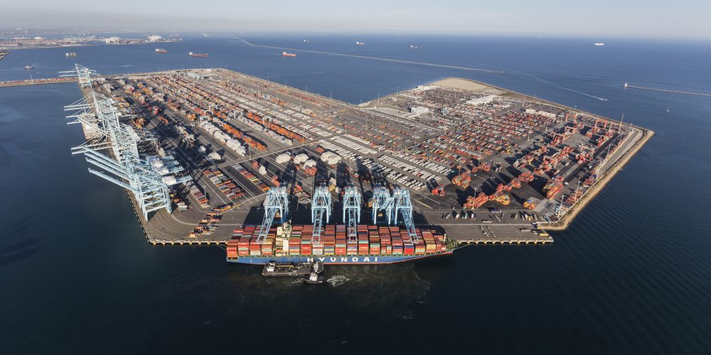 Port Los Angeles, Fot. trekandshoot / Shutterstock.com