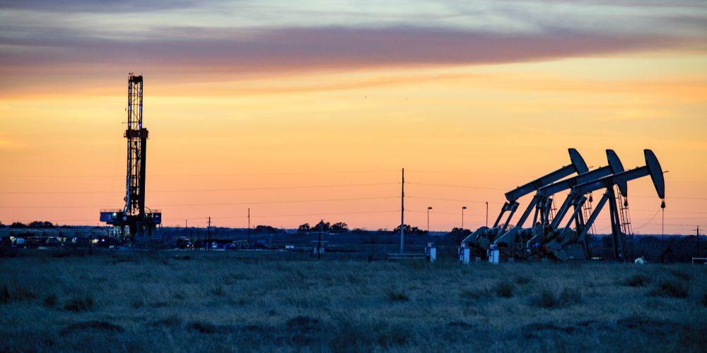 Wydobycie ropy ze złóż łupkowych w USA. Fot. Shutterstock