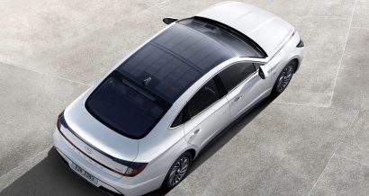 Hyundai Sonata Hybrid z panelami słonecznymi na dachu. Fot. materiały prasowe Hyundai