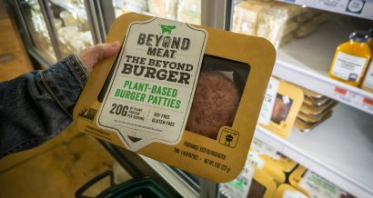 "Roślinne ""mięso"" od Beyond Meat. Fot. rblfmr / Shutterstock.com"