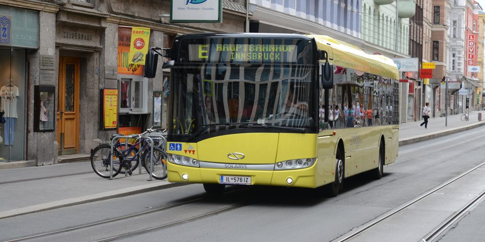 Solaris na ulicach Innsbrucku Fot. Rudiecast / Shutterstock.com