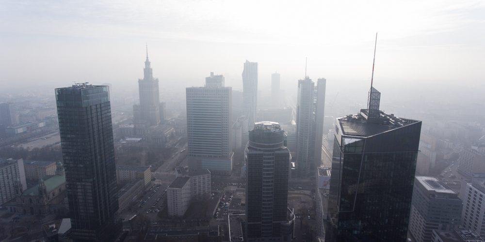 Wieżowce w Warszawie, zdjęcie z drona. Fot. Shutterstock