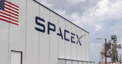 SpaceX. Fot. L Galbraith / Shutterstock.com