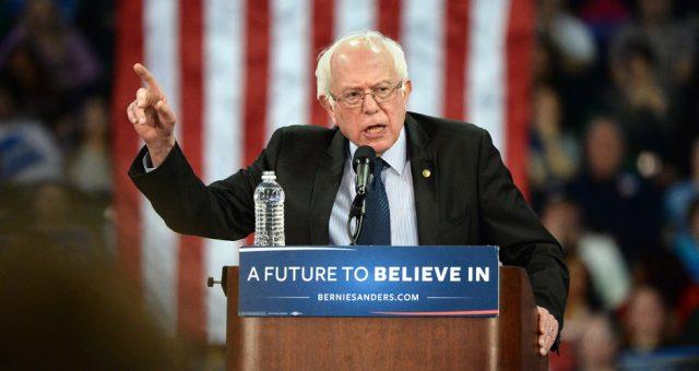 Bernie Sanders podczas wiecu w 2016 roku. Fot. Gino Santa Maria / Shutterstock.com