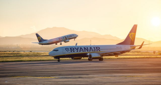 Samoloty Ryanair. Fot. Stefano Garau / Shutterstock.com