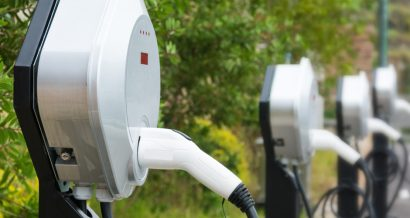 Stacje ładowania samochodów elektrycznych, Fot. Shutterstock.com