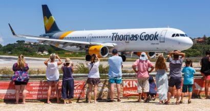 Samolot linii Thomas Cook, Fot. Markus Mainka / Shutterstock.com