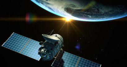 Satelita orbitujący wokół Ziemi, Fot. Shutterstock.com