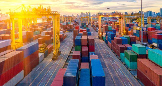 Terminal kontenerowy, Fot. Shutterstock.com