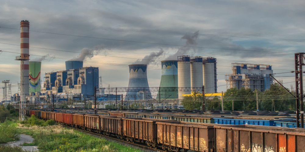 Elektrownia węglowa w Opolskiem. Fot. Jaroslaw Witkowski / Shutterstock.com