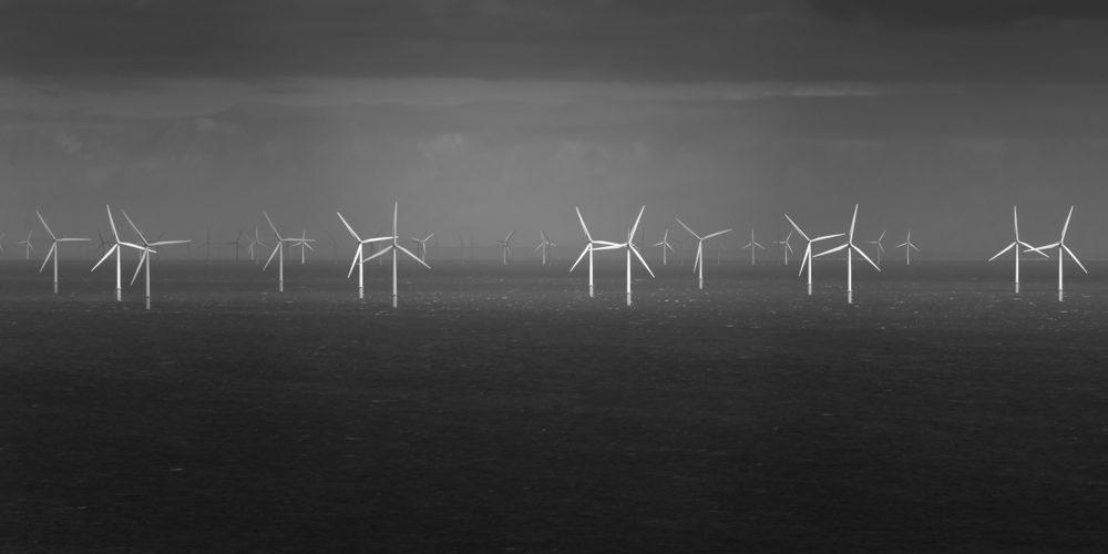 Farmy wiatrowe na Morzu Irlandzkim, Fot. Shutterstock.com