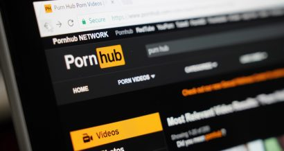 Pornhub. Fot. charnsitr / Shutterstock.com