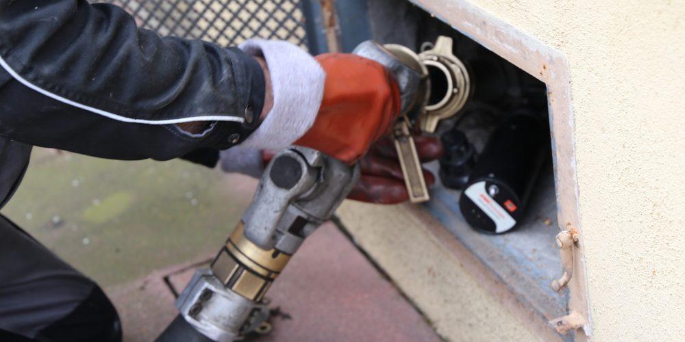 Dostawa oleju opałowego, Fot. Shutterstock.com