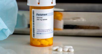 Fawipirawir, Fot. Myriam B / Shutterstock.com
